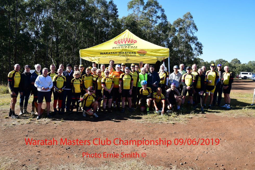 1310-261 Waratah Web Club Group Photo